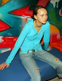 Blue eyed teen GF sex