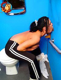 Sporty girl sucking at gloryh...