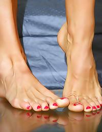 Milf has such beautiful feet