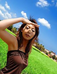 Japanese girl has gorgeous ni...