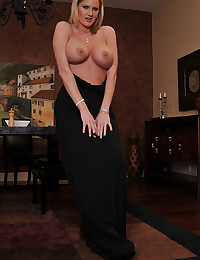 Horny Milf Zoey Wants Cock