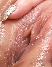 Ariana's Speculum Play and Asshole Gapes Ariana