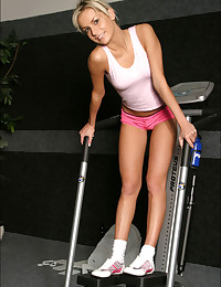 Mandy Lightspeed - Workout chick has a perfect ass in little shorts