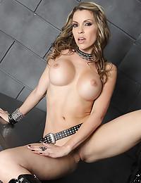 Blonde pornstar in lusty poses