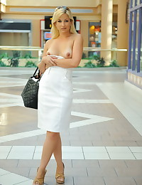 Public flashing of her tits f...