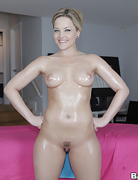 Alexis Texas Knows How To Tease