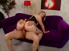 Chubby girl in lingerie laid in her hot cunt