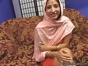 Arab princess gets her tight shaved