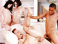 Bi Party! Watch 2 Couples Sucking Among Themselves, Together