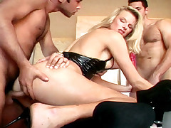 Blonde MILF Likes 2 Put Big Cocks In Her Butt & In Her Pussy