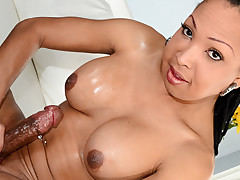 Super horny tranny chick masturbates her hot fat hard cock !