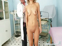 Mature Vladirima gets pussy checked on gynochair