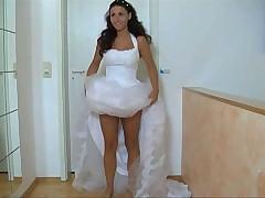 Pantyless bride