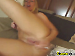 Cam: HOT Blond Gets Really Wet HD