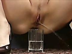 Piss; pee 43 (no sound)